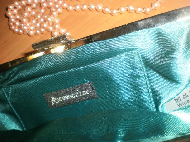 Шикарний атласний клатч бренда accessorize - Фото 2