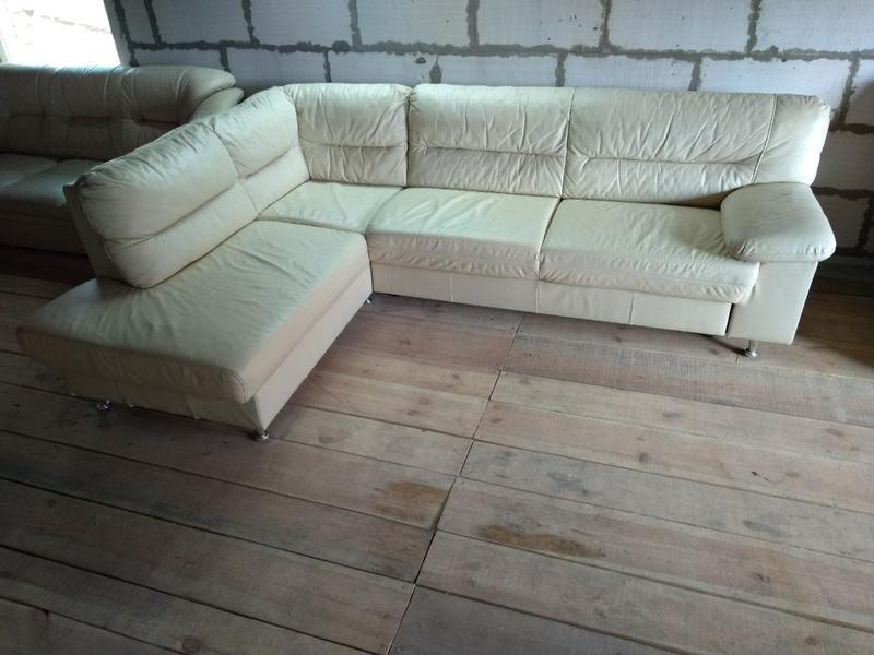 Шкіряний угловий диван