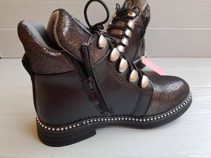 Блестящие легкие утепленные деми ботинки для девочки на флисе ... - Фото 3