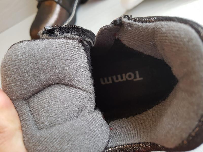 Блестящие легкие утепленные деми ботинки для девочки на флисе ... - Фото 4
