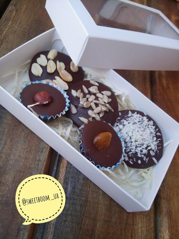 Шоколад та цукерки ручної роботи - Фото 2