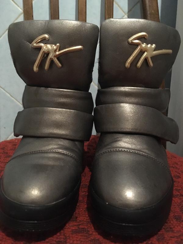 Красивые ботинки