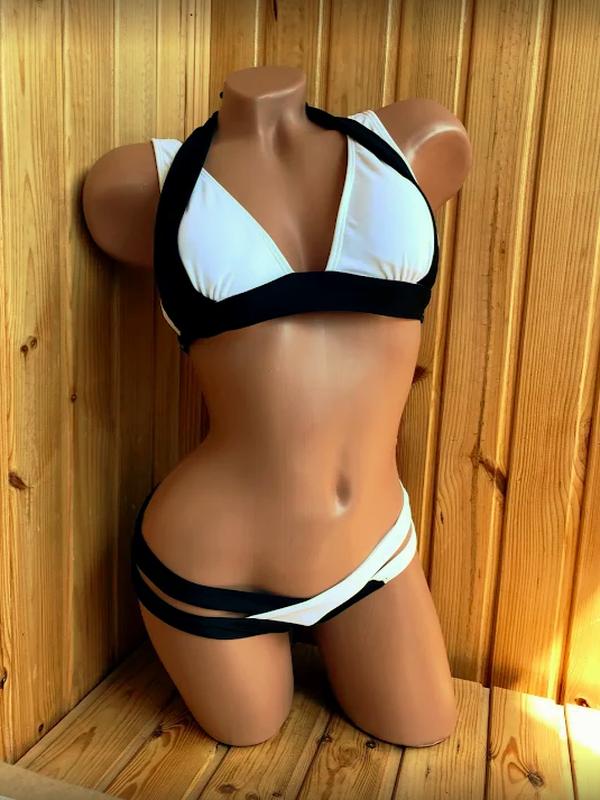 Черно-белый купальник - Фото 2