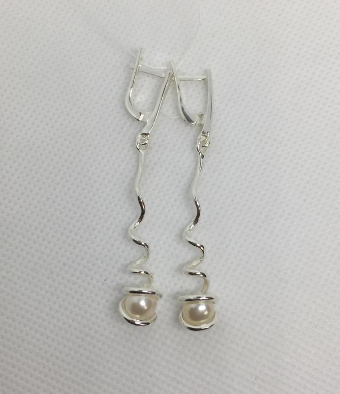 Новые серебряные серьги с искус.жемчугом серебро 925 пробы