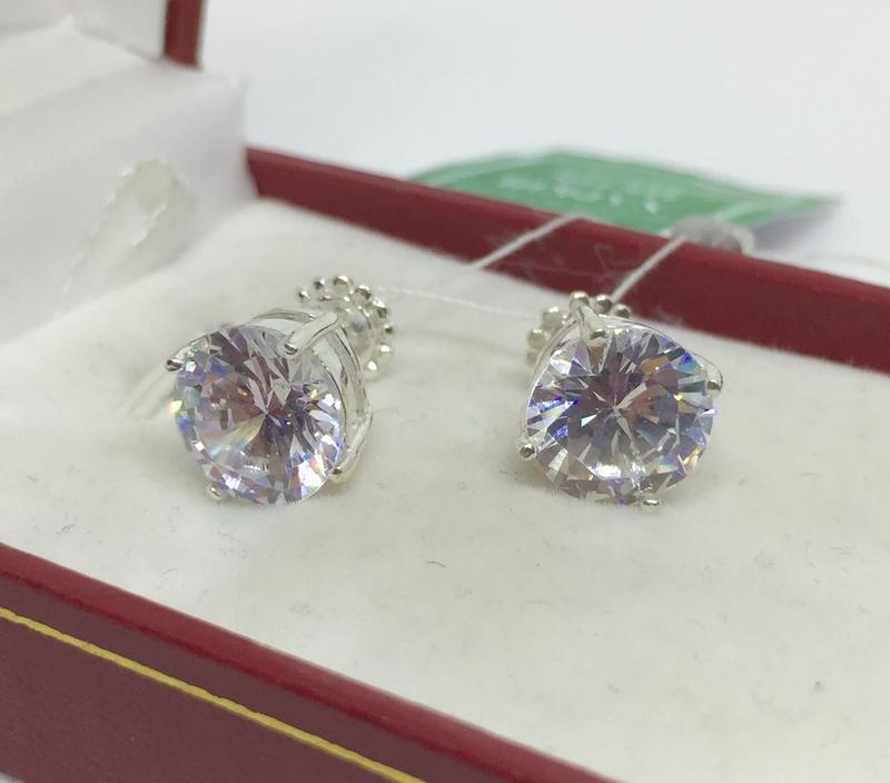 Новые красивые серебряные серьги гвоздики 9 мм куб.цирконий се...