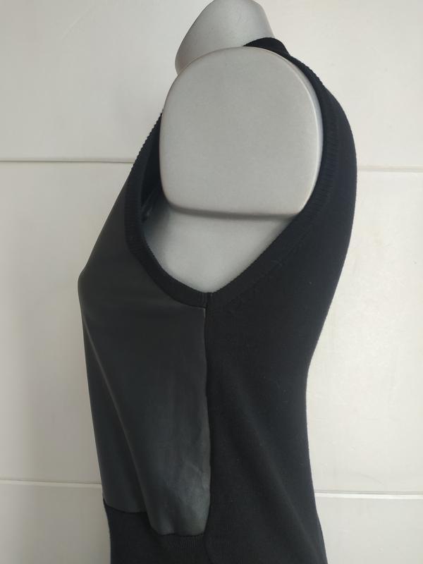 Стильное платье stradivarius с вставками из искусственной кожи. - Фото 2