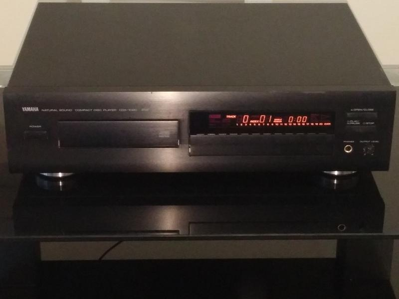 CD проигрыватель YAMAHA CDX-1060