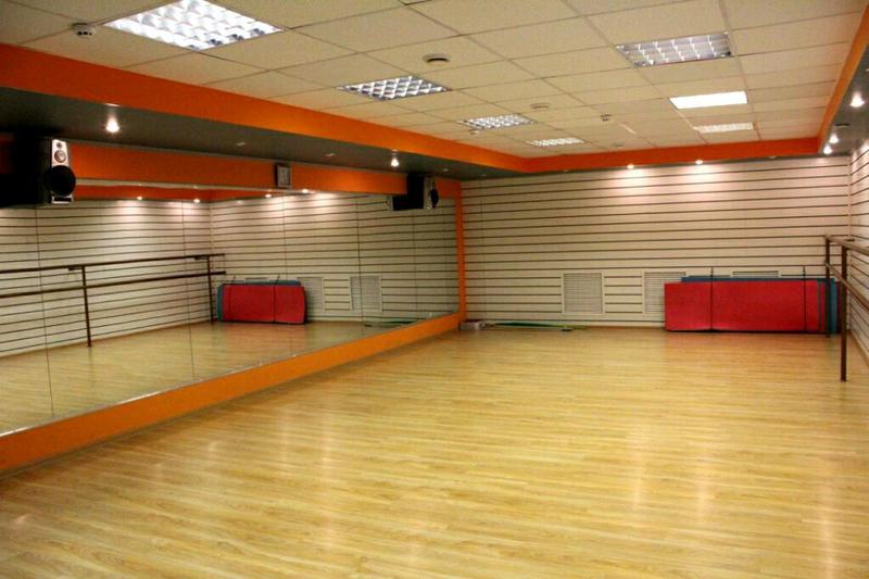 Зеркала в спортзал танцевальную студию Софиевская борщаговка