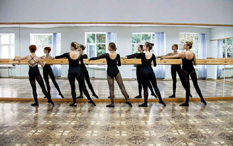 Зеркала в спортзал танцевальную студию Софиевская борщаговка - Фото 2