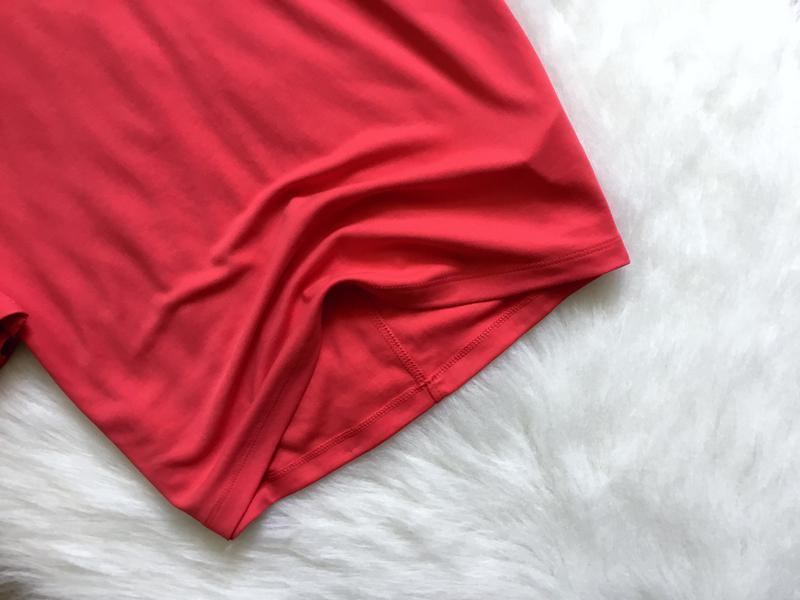 Блуза футболочного типа с воланами - Фото 2