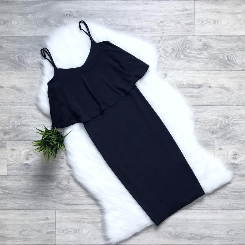 Платье миди с воланом в зоне декольте