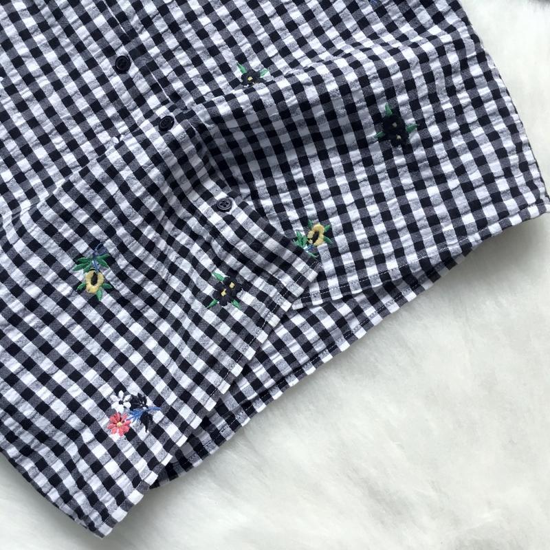 Укороченная рубашка бойфренд с вышивкой - Фото 2
