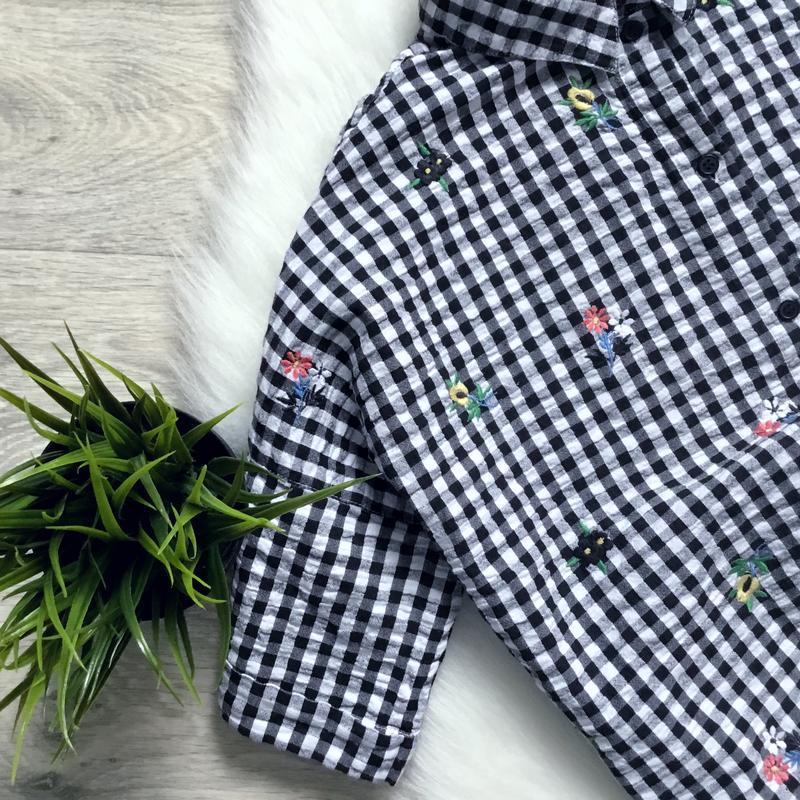 Укороченная рубашка бойфренд с вышивкой - Фото 3