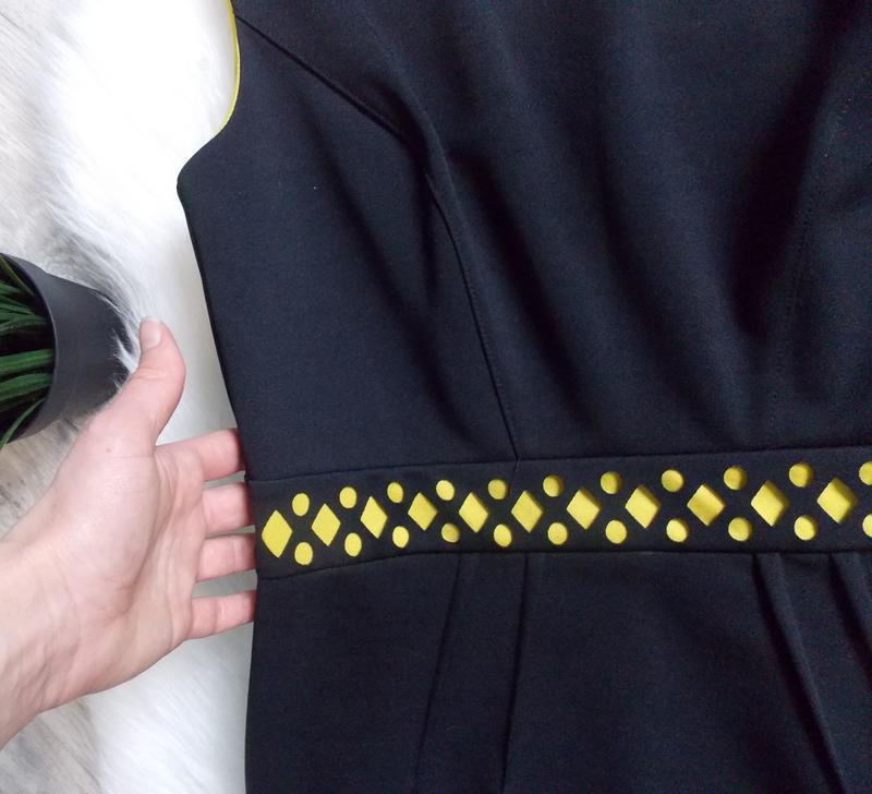 Платье неопреновое с перфорацией - Фото 3