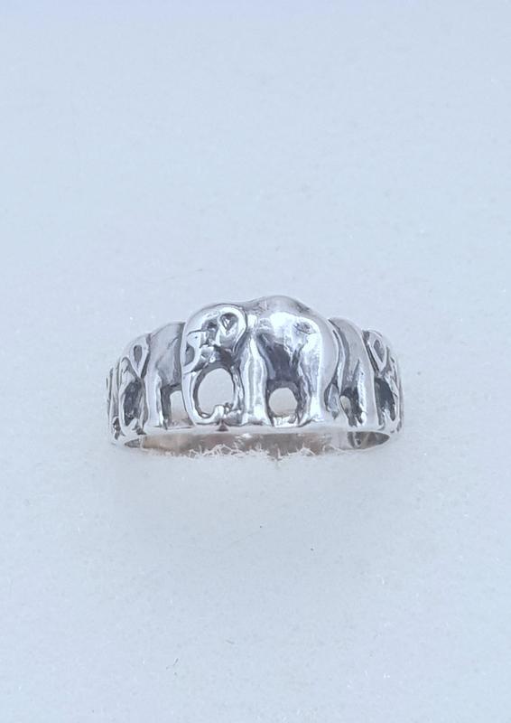 Серебряное кольцо слоники , серебро 925 проба