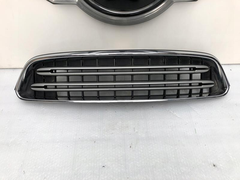 Решетка радиатора с хромом на Mini Countryman R60 R61 LCI LIFT