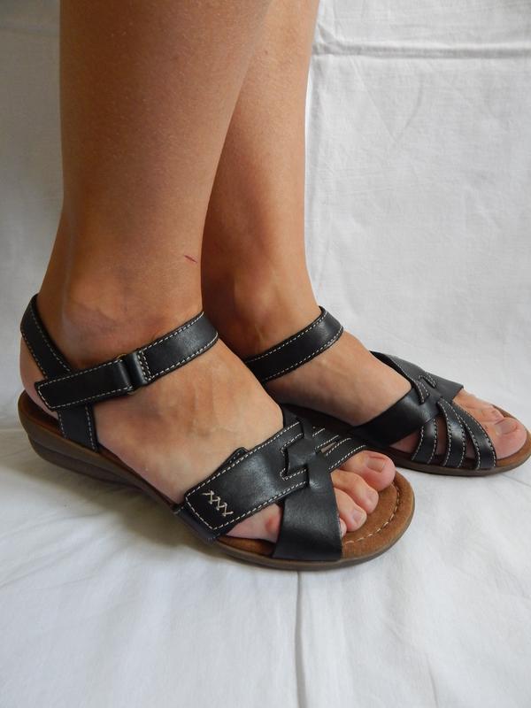 Босоножки босоніжки сандалі сандали clarks