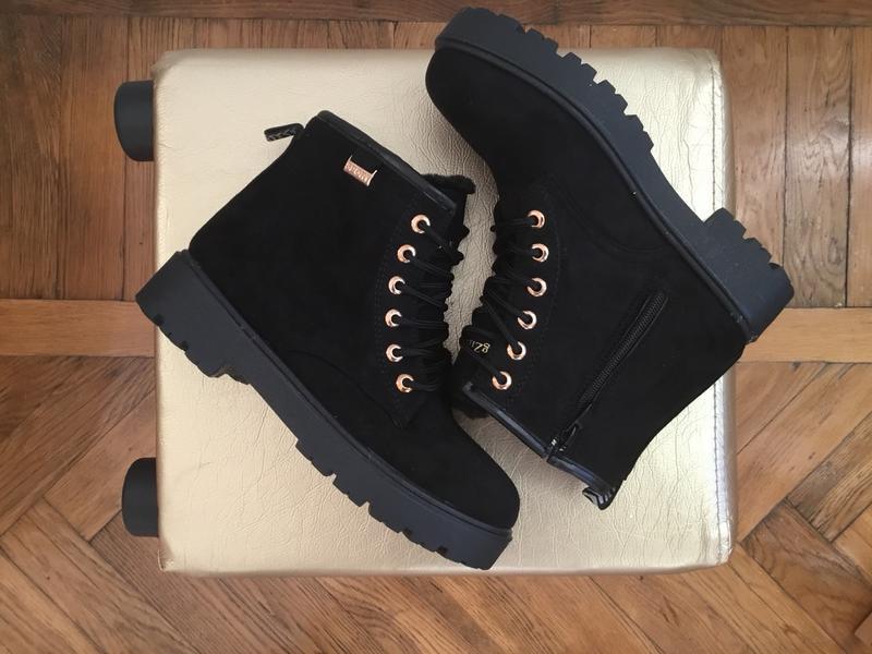 36-41 рр черные женские ботинки с мехом - Фото 4