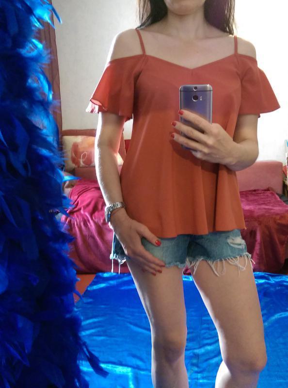 Суперцена! топ,стильная блузочка с оголенными плечиками и рюшей - Фото 2