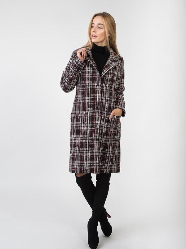 Осеннее пальто женское в клетку - Фото 2