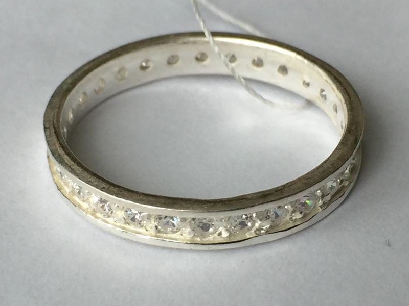 Новое красивое серебряное кольцо 'невеста' с куб.цирконием сер...