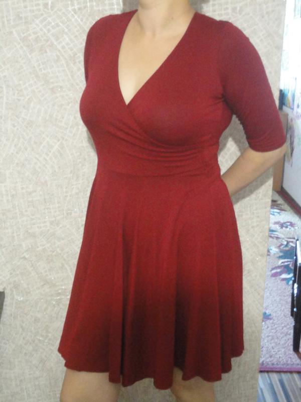 Трикотажное платье марсала
