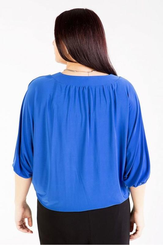 Свободная блуза цвета электрик