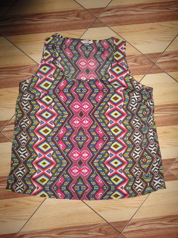 Яркая блуза в ромбы - Фото 3