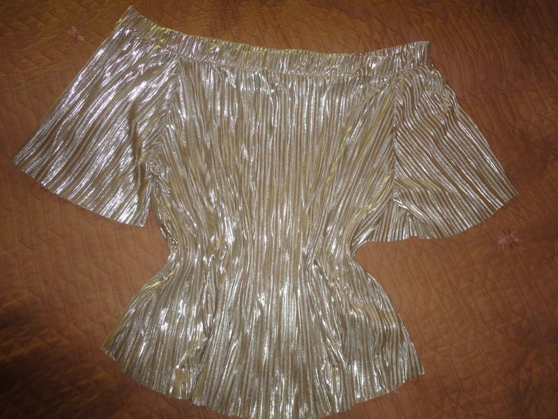 Золотистая блуза гофре