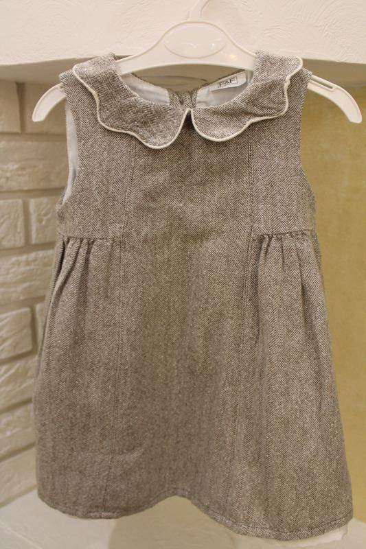 Очень красивое платье нарядное праздничное 12-18 мес