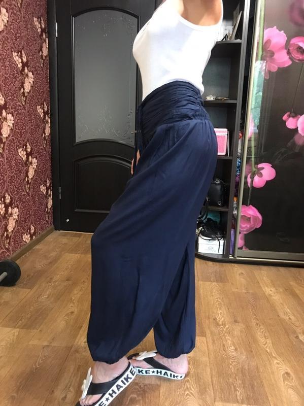 Стильные штаны брюки алладины свободного кроя с высокой посадкой - Фото 2