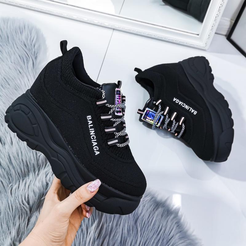 Суперновиночка стильные кроссовки