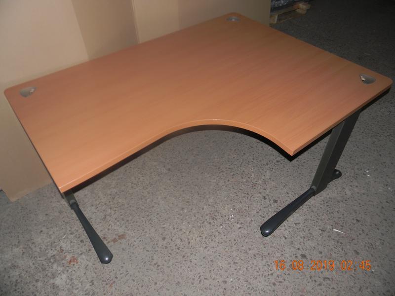 Офисный стол Steelcase