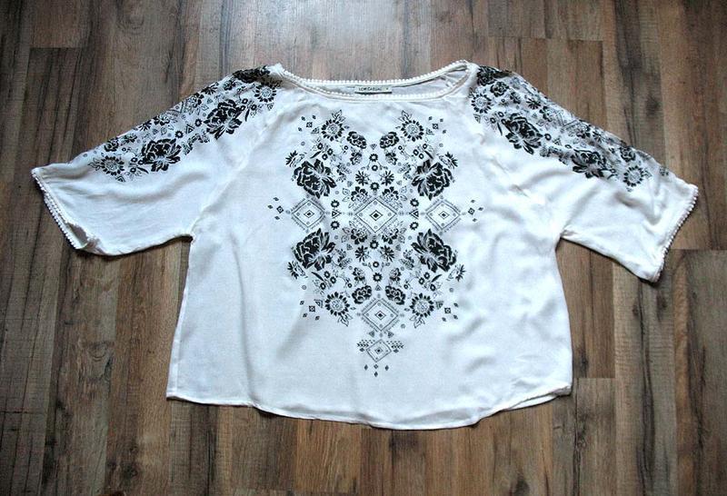 Женственная блуза бохо с принтом и рукавами с прорезями от тм ... - Фото 3