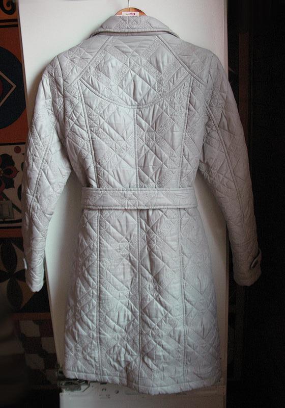 Демисезонное стеганное пальто классического покроя, тренчкот, ... - Фото 3