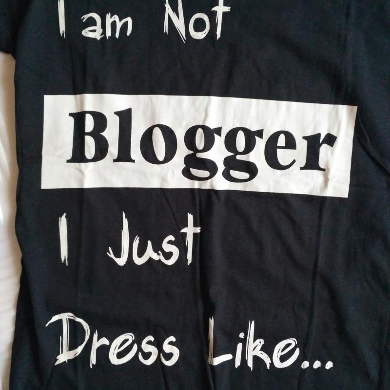 Футболка not a blogger - Фото 2