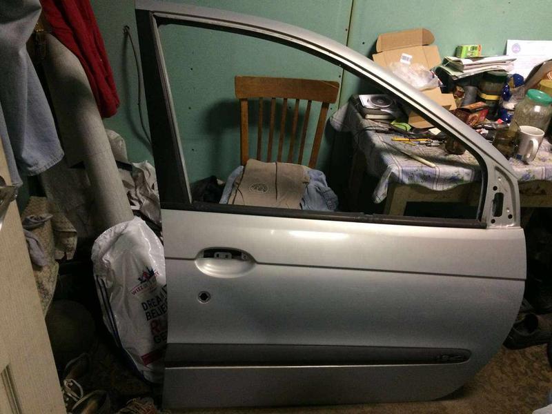 Б/у дверь передняя правая Renault Scenic 1 цвет MV632