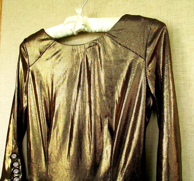 Красивое блестящее нарядное платье черно-золотое - Фото 4