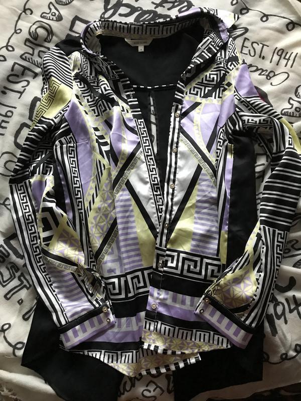 Рубашка с интересной спинкой