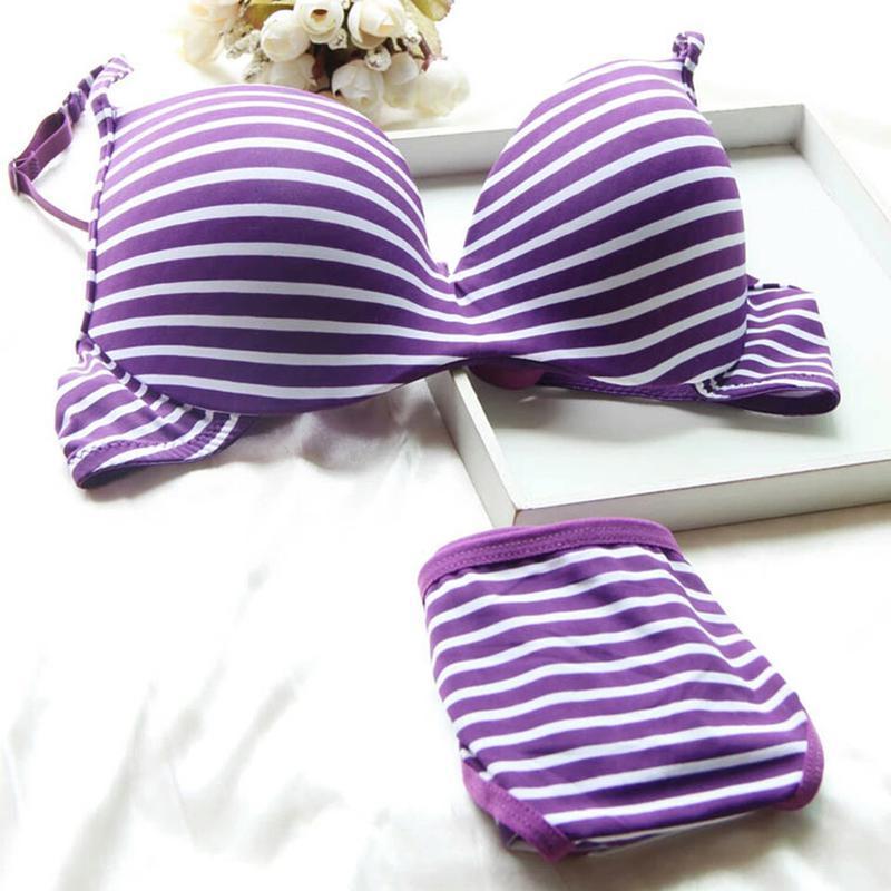 Белье для девушки. полосатый мягкий комплект нижнего белья ниж...