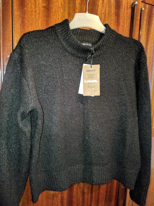 !продам новый женский тёплый свитер кофту