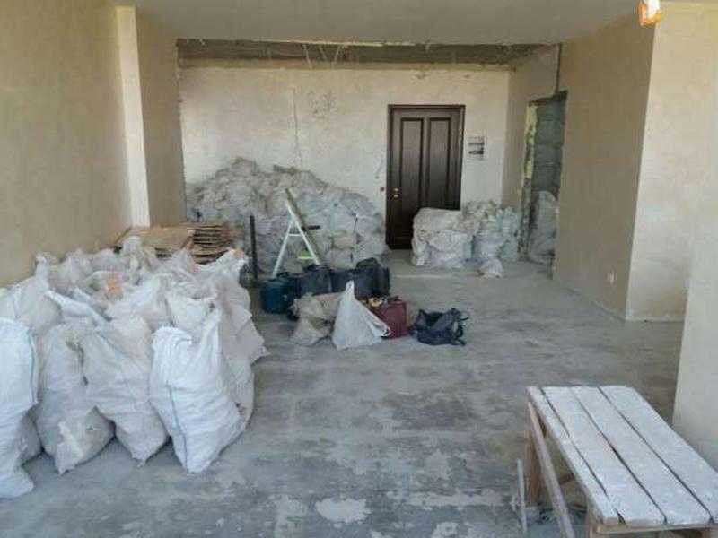 Демонтаж стяжки, политки, штукатурки, стен. профессионально.