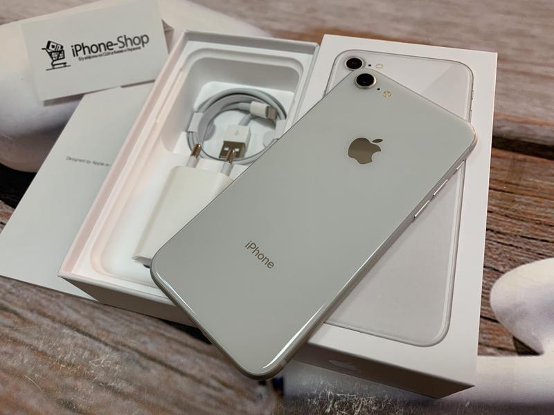 Apple iPhone 8 64gb Silver Neverlock с комплектом,гарантия.
