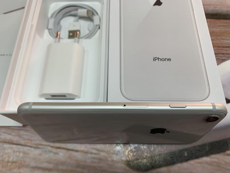 Apple iPhone 8 64gb Silver Neverlock с комплектом,гарантия. - Фото 7