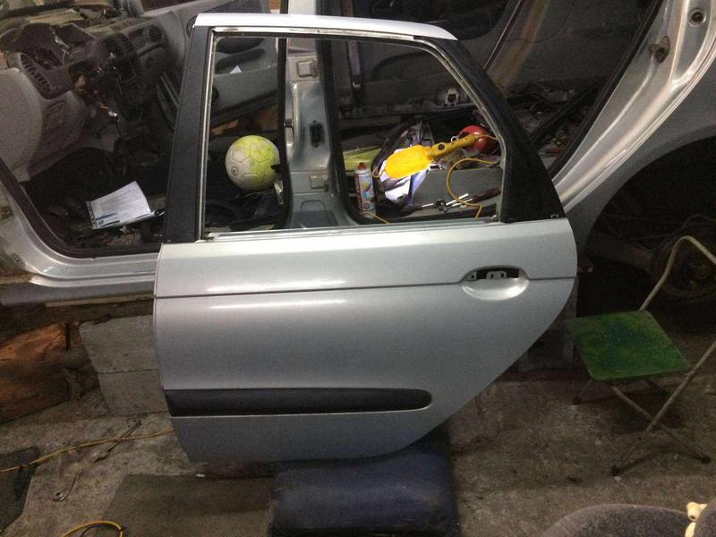 Б/у дверь задняя левая Renault Scenic 1 цвет MV632