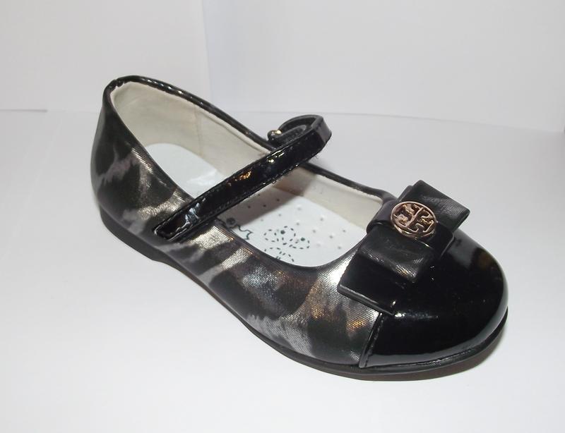Туфли для девочек стильные черного цвета 25-27