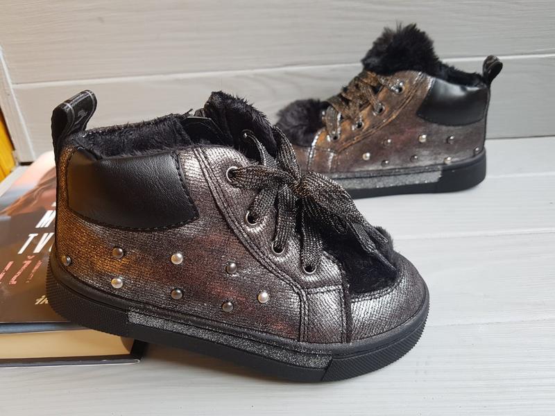 Утепленные легкие прошитые деми ботинки для малышки на флисе