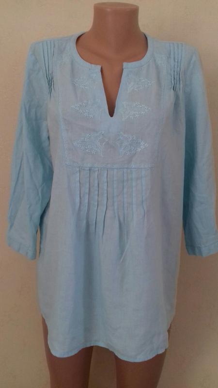 Льняная блуза-рубашка с вышивкой