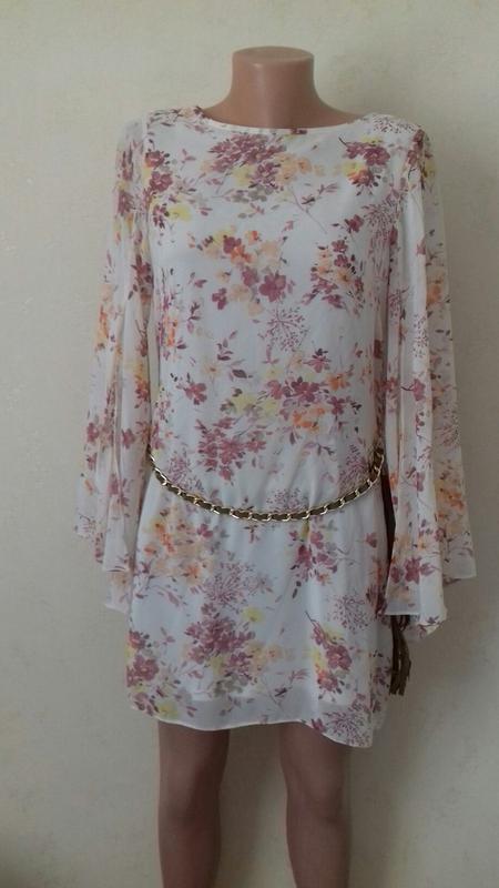 Новая нежная блуза-туника с принтом и пояском