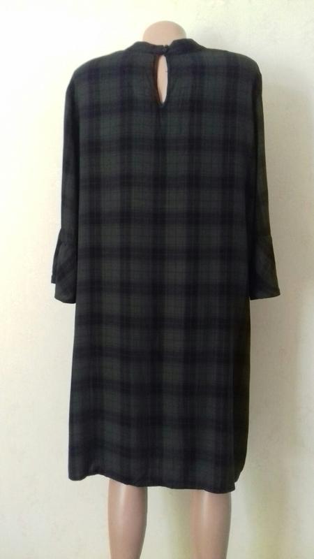 Вискозное платье с принтом клетка большого размера - Фото 2